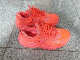 Nike air huarache hot lava