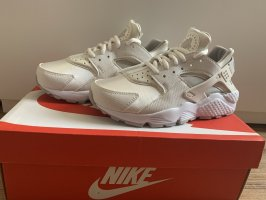 Nike Air Huarache Run Neu