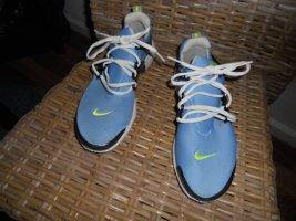 Nike Air in hellblau Gr.39