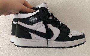 Nike Air Jordan 1 Retro High White-Black