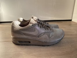 Nike Lace-Up Sneaker grey brown-taupe