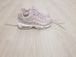 Nike Lace-Up Sneaker dusky pink