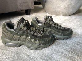Nike Air Max 95 Climax Khaki Olivgrün