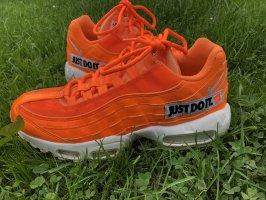 "Nike Air Max 95 ""just so it"""