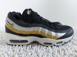 Nike Air Max 95, Wmns, schwarz, gold, silber, Gr. 42 (US 10)