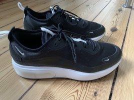 Nike Air Max Dia Schwarz Weiß 43 Plateau Sneaker Turnschuhe
