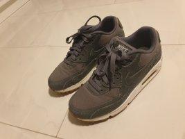 Nike Air Max grau