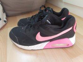 Nike Air Max Ivo gr. 38.5