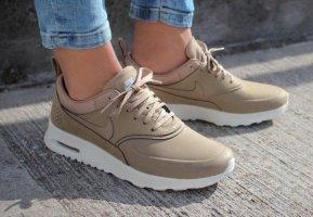 Nike Lace-Up Sneaker beige