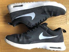 Nike Air Max Thea schwarz-weiß Sneakers Größe 38,5 UK 5;5