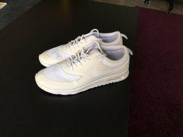 Nike Air Max Thea weiß Casual-Look