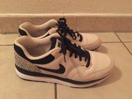 Nike Sneakers met veters beige-zwart