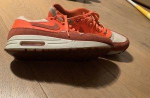 Nike air wmns 1 vintage