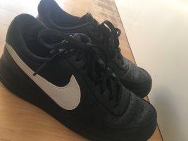 Nike Airforce 1 (schwarz & weiß)