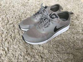 Nike Sneakers met veters grijs-bruin