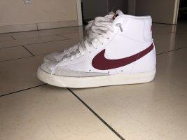 "Nike Blazer Mid '77 Vintage ""Brick Red"""