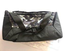 Nike Brasilia Sporttasche Neu 41 Liter Länge 51cm Camouflage