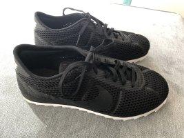 Nike Cortez Ultra Sneaker leicht