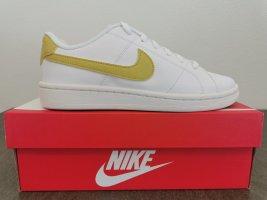 Nike Court Royale Gr. 38.5 unisex