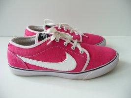 Nike Court Sneaker Größe 40, super Zustand. NP 59,95 Euro