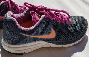 Nike Sneaker stringata grigio-rosa