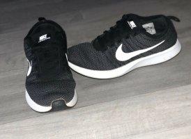 Nike Dualtone Reacer