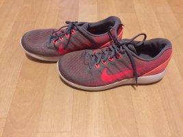Nike Dynamic Support Gr.40