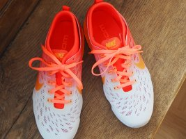 NIKE Fitess Schuhe Sneaker Running Zumba flexibel Gr 40 neu