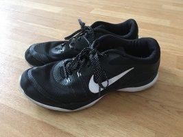 Nike Fitness-und Sportschuh