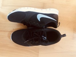 Nike Flex Essential TR Damenschuh