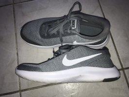 Nike Flex Experience 7 neuwertig Gr.38,5