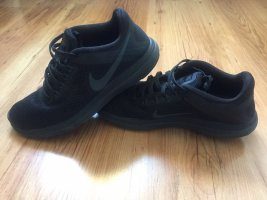Nike Free Schuhe, schwarz, Gr. 35,5 - 36