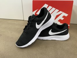 "Nike Free ""Tanjun"" schwarz NEU  & OVP"