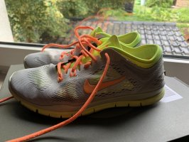 Nike Free TR fit 4 Training laufen Sport