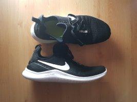 Nike Free TR8 schwarz weiß Sportschuhe Fitness Laufschuhe Sneaker Training Turnschuhe flexible Sohle Gr. 42,5 27,5 cm