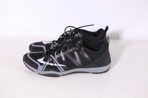 Nike Free Trainer Sneaker Schuhe Gr.38,5 UK5 Schwarz Silber