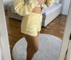 Nike gelbe Shorts Metllic Swoosh