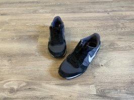Nike Genicco Sportschuhe