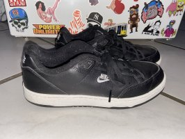 Nike Grandstand 2
