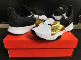 Nike Groove Gr. 38.5