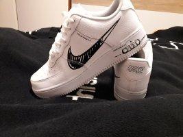 Nike Herren Schuhe/ oder für Damen die auf großen fuss leben