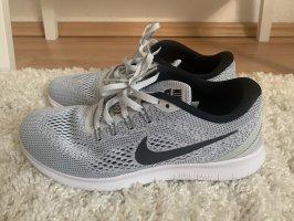 Nike Herren Schuhe Sneaker Größe 42,5