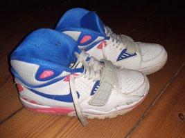 Nike High Top Sneaker