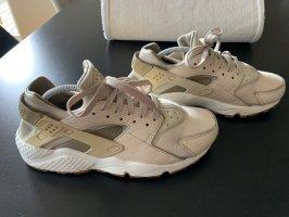 Nike Huarache 40,5 beige
