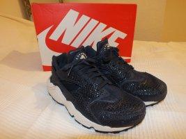 Nike Huarache in dunkelblau/Obsidian