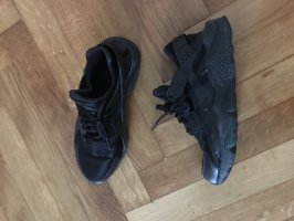 nike huarache run all black