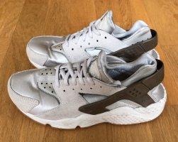 Nike Huarache Sneakers