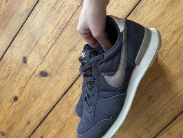 Nike Internationalist Sneaker Gr. 40, neu