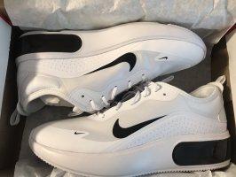 Nike ist Max DIA