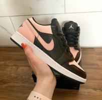 Nike Jordan bei Interesse anschreiben bitte
